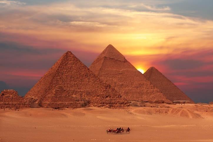 Découverte des pyramides
