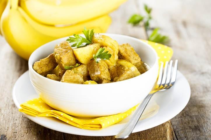 Poulet Curry Pommes de Terre et Bananes