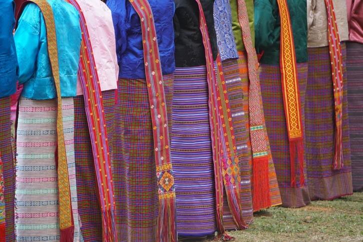 Tenues traditionnelles (Gos et Kiras)