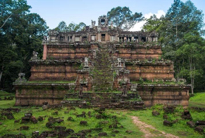 Visite du Temple pyramidal Angkor Wat