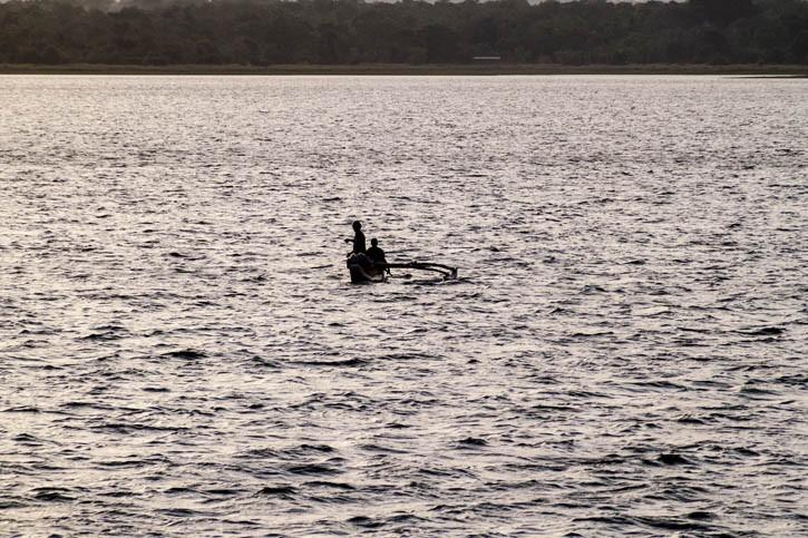 Promenade au bord du Lac Topa Wewa