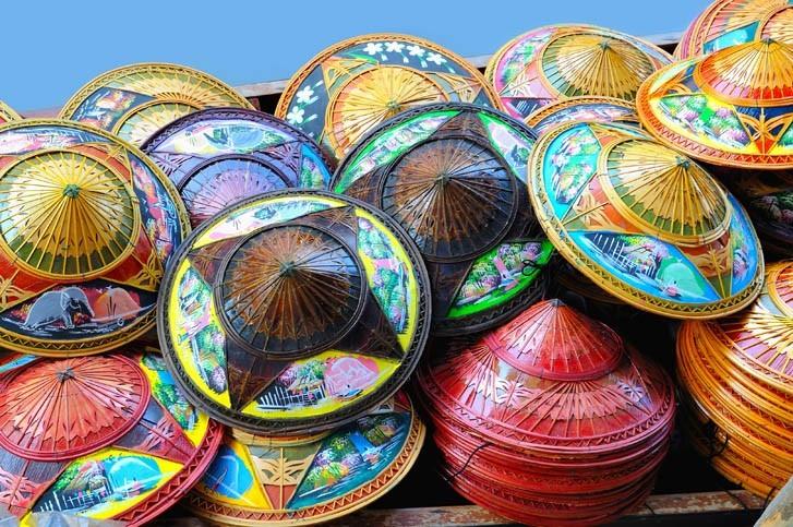 Chapeaux Thai traditionnels